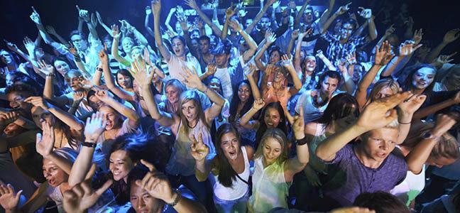 Wedding Entertainment Confusion: Band or DJ??