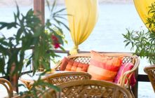 How to Choose Outdoor Pillows and Cushions for Your Patio or Porch